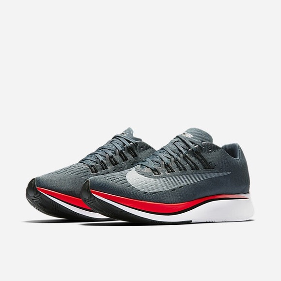 cf0531e924b Nike Zoom Fly women s running shoe Size 10. 👟. M 5a5725eaa44dbed38e00bcc7